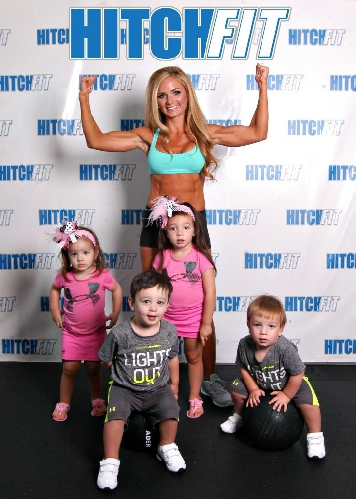 Mother of FOUR including triplets gets six pack abs with Hitch Fit Online Personal Training